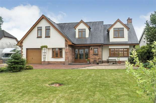 4 Bedrooms Detached House for sale in Porthyrhyd, Carmarthen