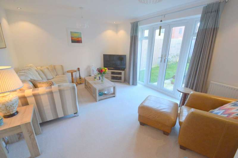 3 Bedrooms Detached House for sale in Peter Pulling Drive, Costessey
