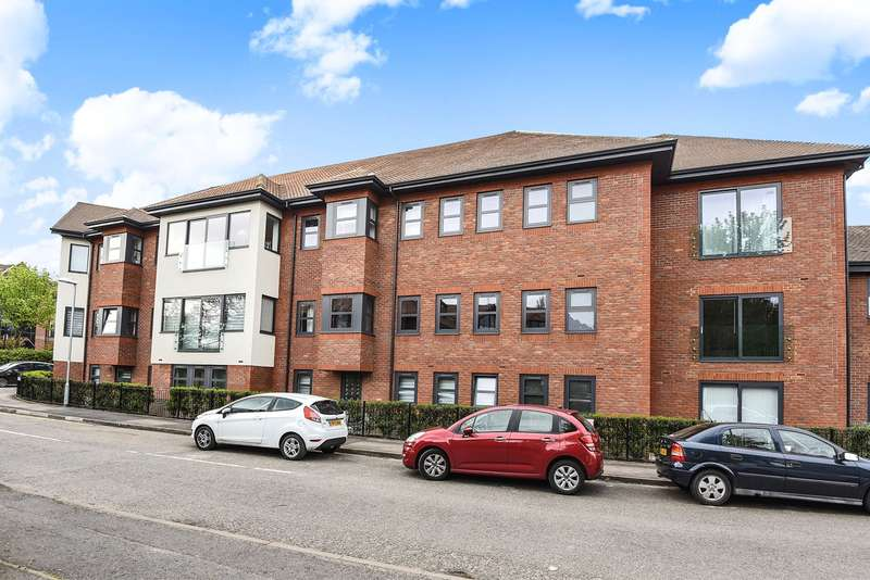 2 Bedrooms Apartment Flat for sale in Finchampstead Road, Wokingham, RG40