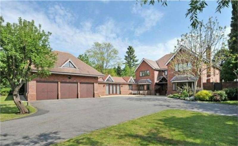 5 Bedrooms Detached House for sale in Grove Road, Coombe Dingle, Bristol