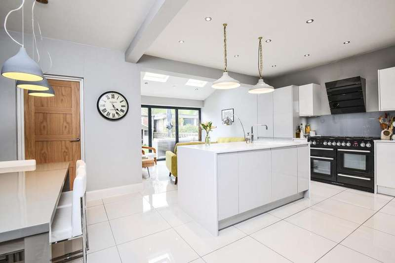 4 Bedrooms Semi Detached House for sale in St. Mildreds Road, Lee