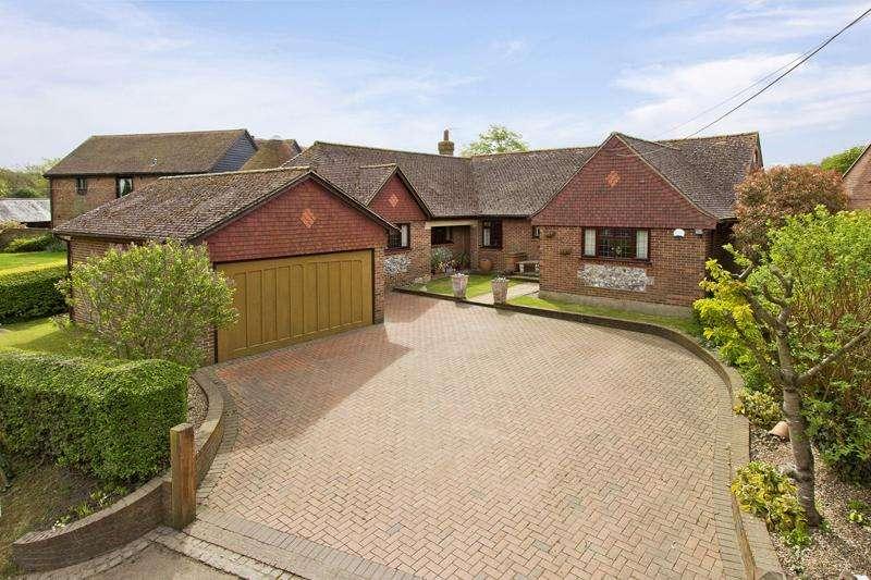 4 Bedrooms Detached Bungalow for sale in Shipley Hills Road , Meopham, Kent DA13