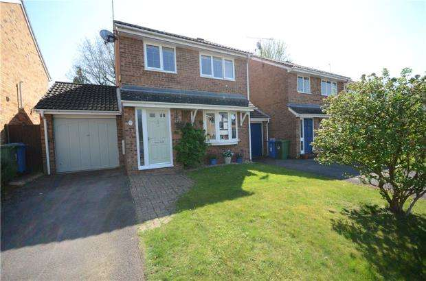 3 Bedrooms Link Detached House for sale in Merlin Clove, Winkfield Row