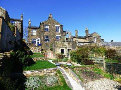 3 Bedrooms Semi Detached House for sale in Hall Street, New Mills, High Peak