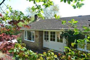 3 Bedrooms Bungalow for sale in Three Leg Cross, Ticehurst, Wadhurst, East Sussex