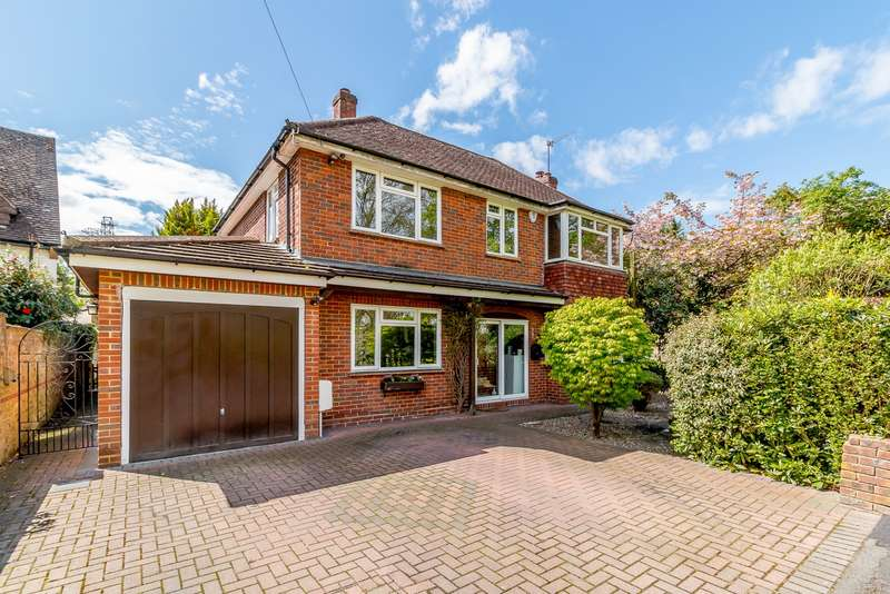 4 Bedrooms Detached House for sale in New Haw