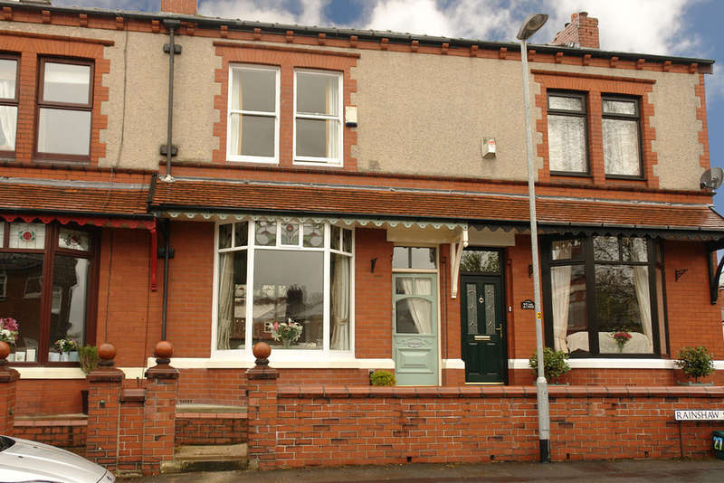 2 Bedrooms Town House for sale in Rainshaw Street, Royton