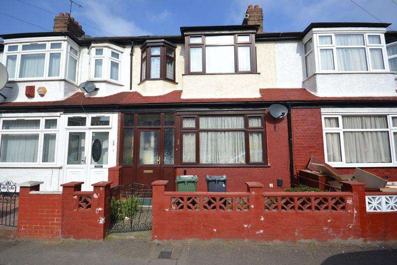 3 Bedrooms Terraced House for sale in Overton Road, London