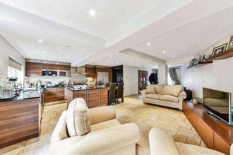 3 Bedrooms Terraced House for sale in Greenacre Square, London, SE16