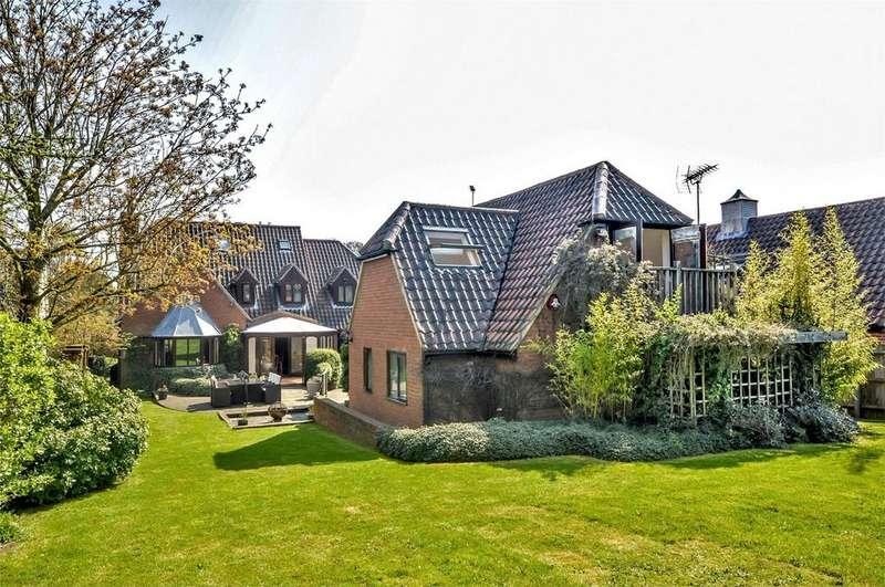 6 Bedrooms Detached House for sale in Greencroft, Stortford Road, Clavering, Nr Saffron Walden