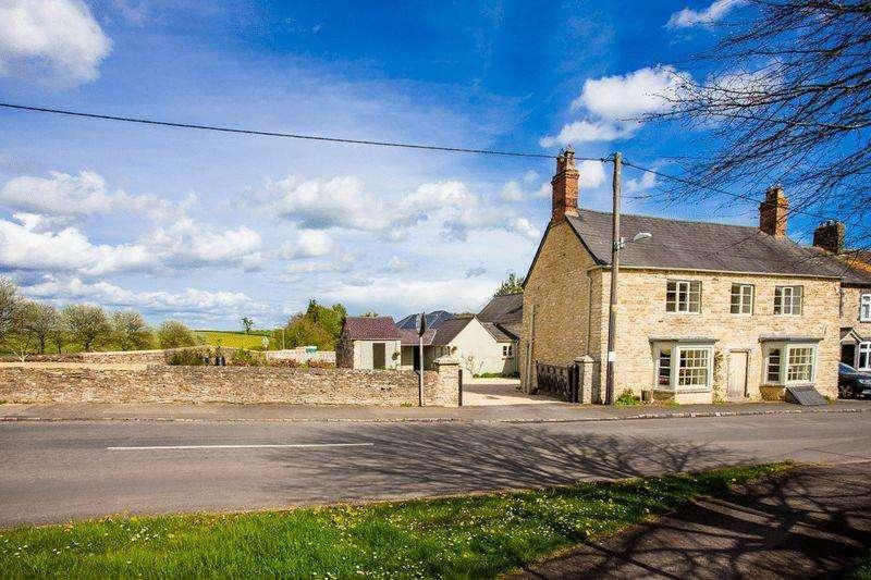 5 Bedrooms Detached House for sale in Main Street, Westbury, Brackley