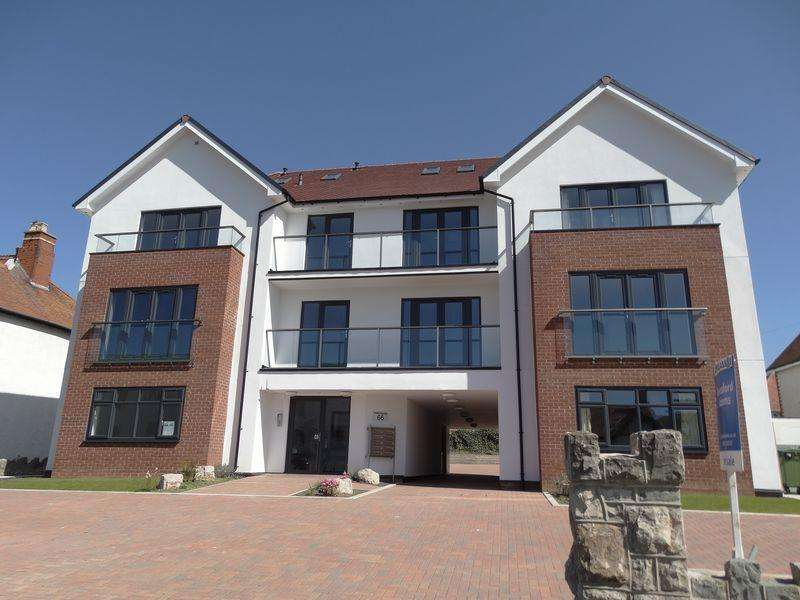 2 Bedrooms Apartment Flat for sale in Abbey Road, Colwyn Bay