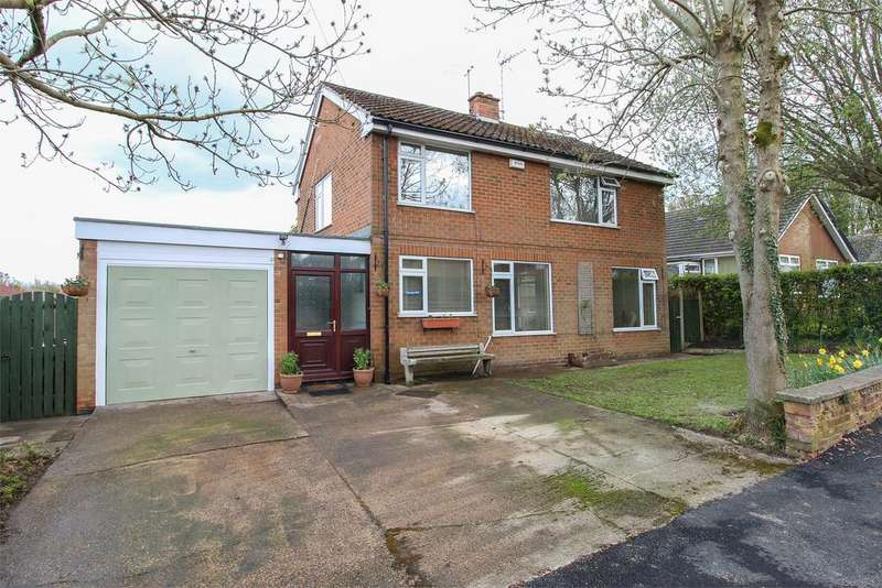 3 Bedrooms Detached House for sale in Russell Gardens, Old Tupton