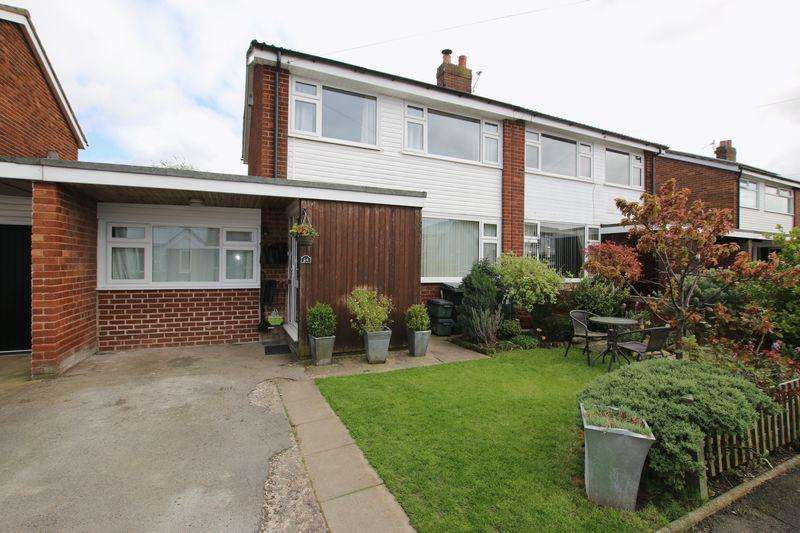 3 Bedrooms Semi Detached House for sale in Grant Drive, Walmer Bridge