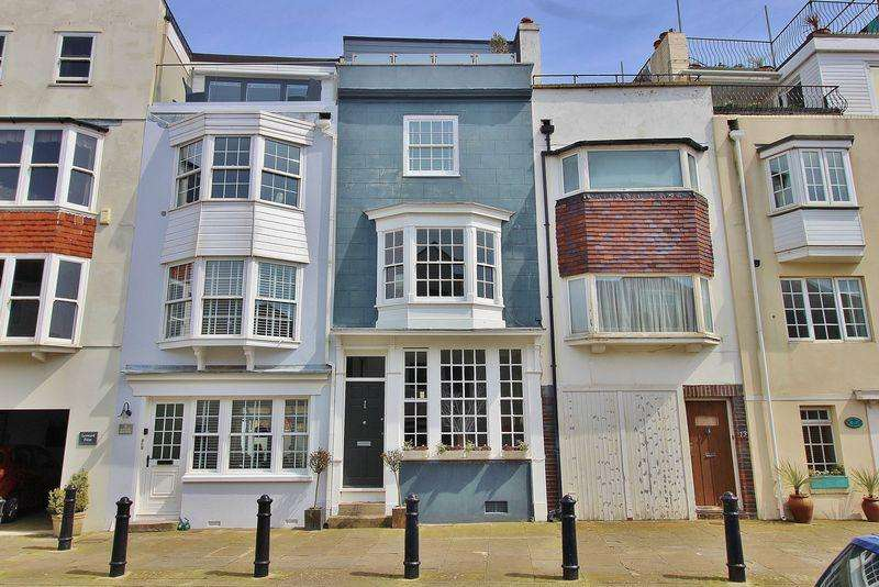 4 Bedrooms Terraced House for sale in Bath Square, Old Portsmouth