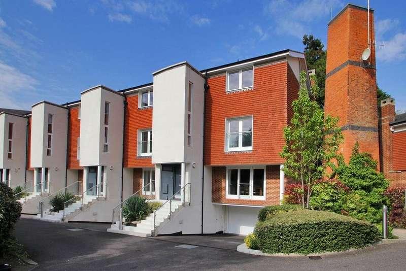 5 Bedrooms Semi Detached House for rent in WESTERHAM