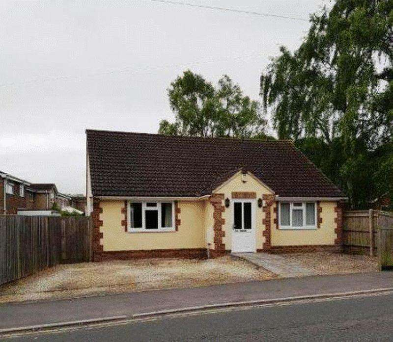 2 Bedrooms Detached Bungalow for rent in Recently Built Detached Bungalow in Westbury