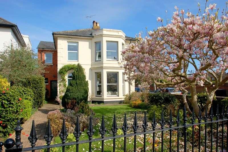 6 Bedrooms Detached House for sale in St. Marks Road, Gosport