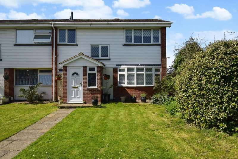 3 Bedrooms Semi Detached House for sale in Burn Walk, Burnham, SL1