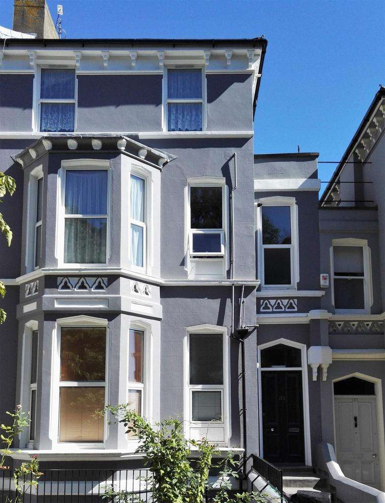 2 Bedrooms Ground Flat for rent in London Road, St Leonards On Sea, East Sussex, TN37 6AU