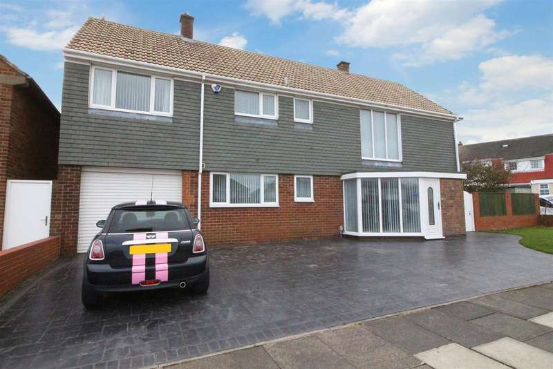 4 Bedrooms Detached House for sale in Beach Road, Tynemouth