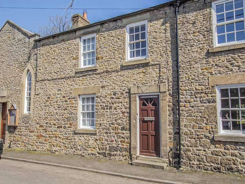 2 Bedrooms Terraced House for sale in Riding Mill NE44