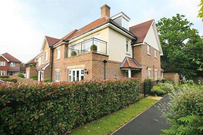 2 Bedrooms Flat for sale in Bisham House, Woodside Gardens