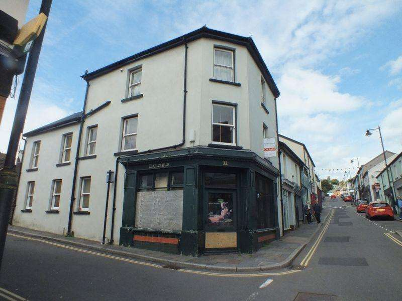 3 Bedrooms Terraced House for sale in 32-32a Broad Street, Blaenavon, NP4 9NF