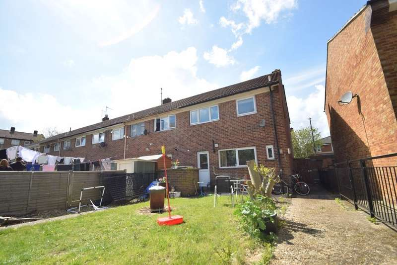 3 Bedrooms Terraced House for sale in Charles Street, Portsmouth, PO1