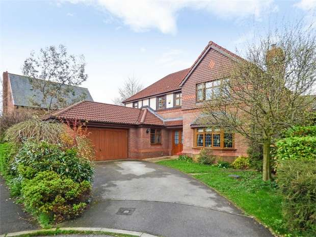 4 Bedrooms Detached House for sale in Swarbrick Avenue, Grimsargh, Preston, Lancashire
