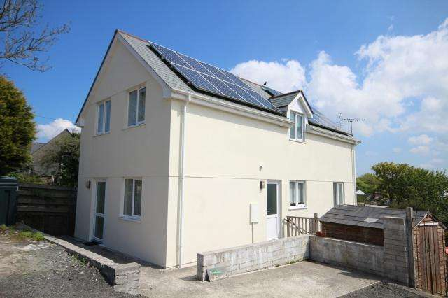 3 Bedrooms Detached House for sale in Camelford
