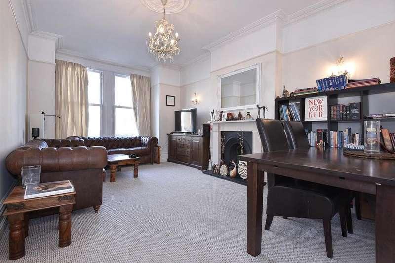 2 Bedrooms Flat for sale in Bernard Gardens, Wimbledon