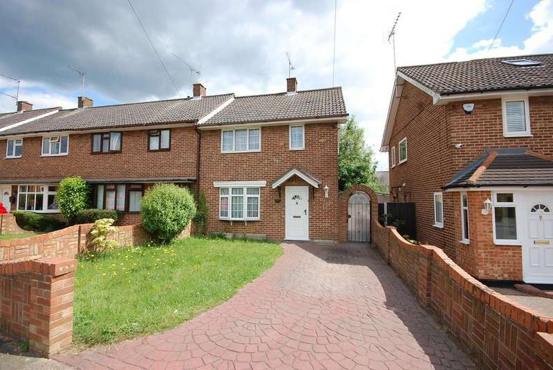 2 Bedrooms Terraced House for rent in Knights Way, Brentwood, Essex, CM13