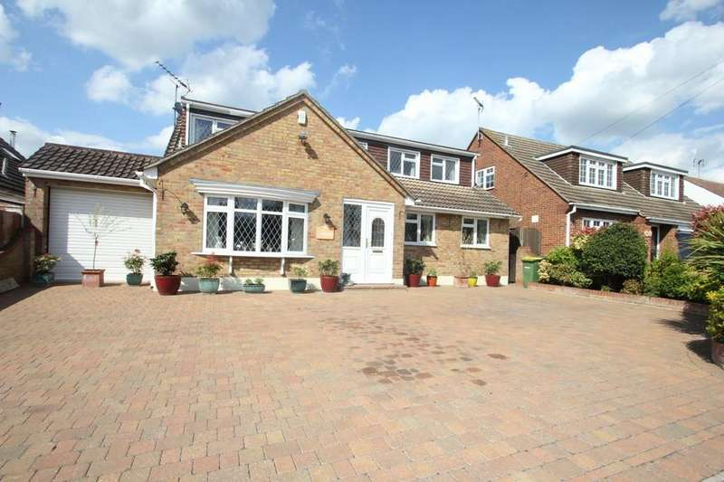 4 Bedrooms Chalet House for sale in Malyons Lane, Hullbridge