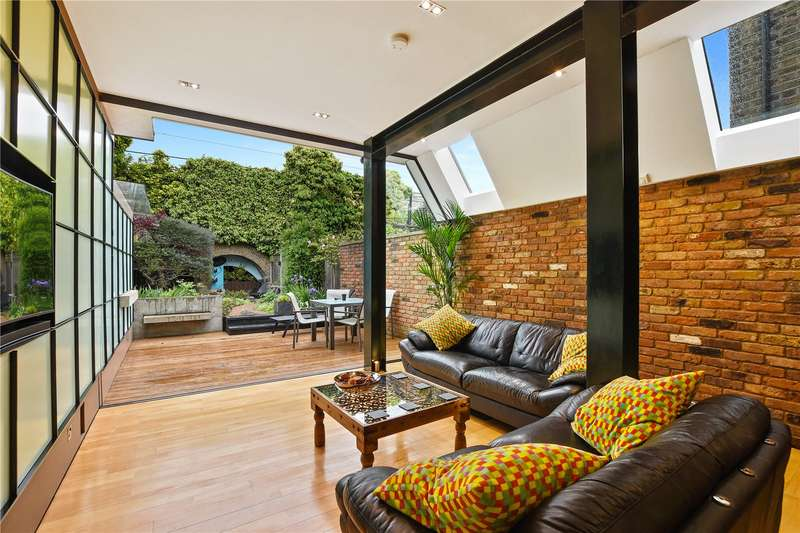 4 Bedrooms House for sale in Lichfield Road, Bow, London, E3