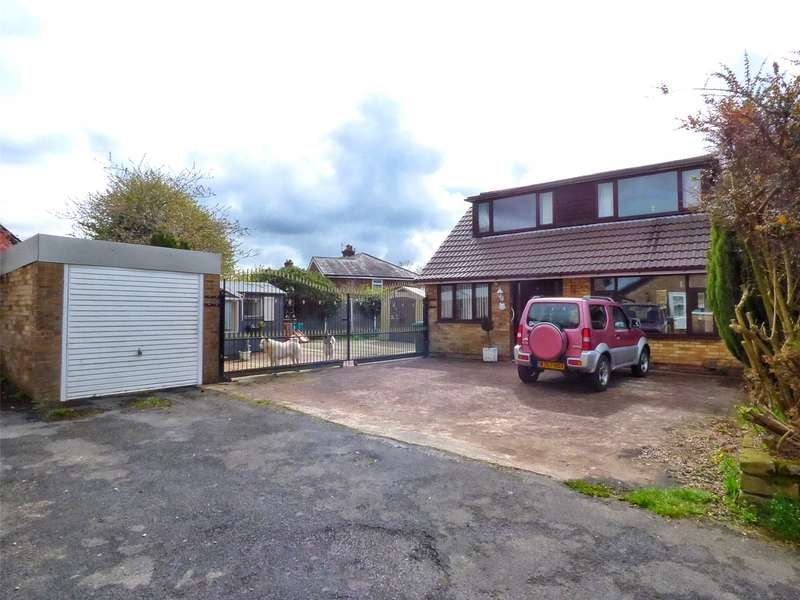3 Bedrooms Semi Detached Bungalow for sale in Glenavon Drive, Shaw, Oldham, Greater Manchester, OL2