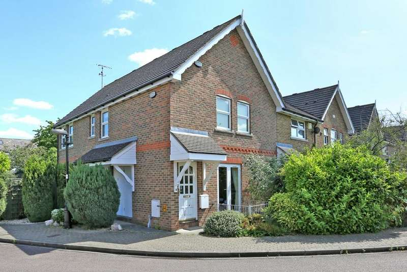 2 Bedrooms Maisonette Flat for sale in Billets Hart Close, Hanwell, W7