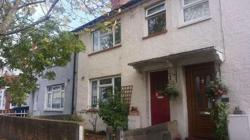 3 Bedrooms House for rent in Humes Avenue, Hanwell, W7