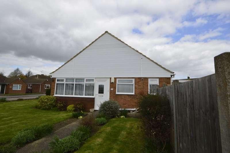 2 Bedrooms Semi Detached Bungalow for sale in Newitt Road, Hoo, Rochester, ME3