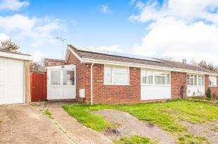3 Bedrooms Bungalow for sale in Risdon Close, Sturry, Canterbury, Kent