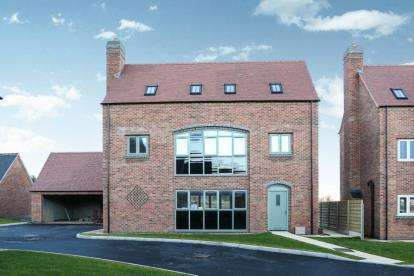 5 Bedrooms Detached House for sale in Milford Green Court, Malkins Way, Shawbury Lane