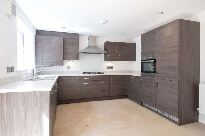 4 Bedrooms Semi Detached House for sale in Swinnow Road, near Pudsey, West Yorkshire, LS13