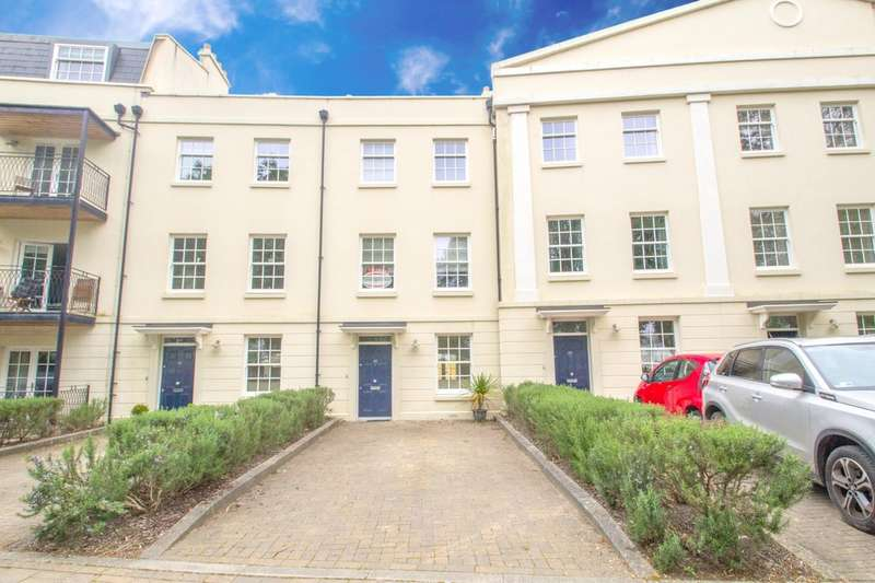 4 Bedrooms Terraced House for sale in Mount Wise, Plymouth