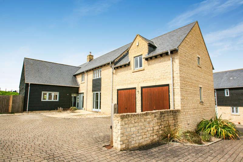 5 Bedrooms Detached House for sale in Manor Farm Close, Tiddington