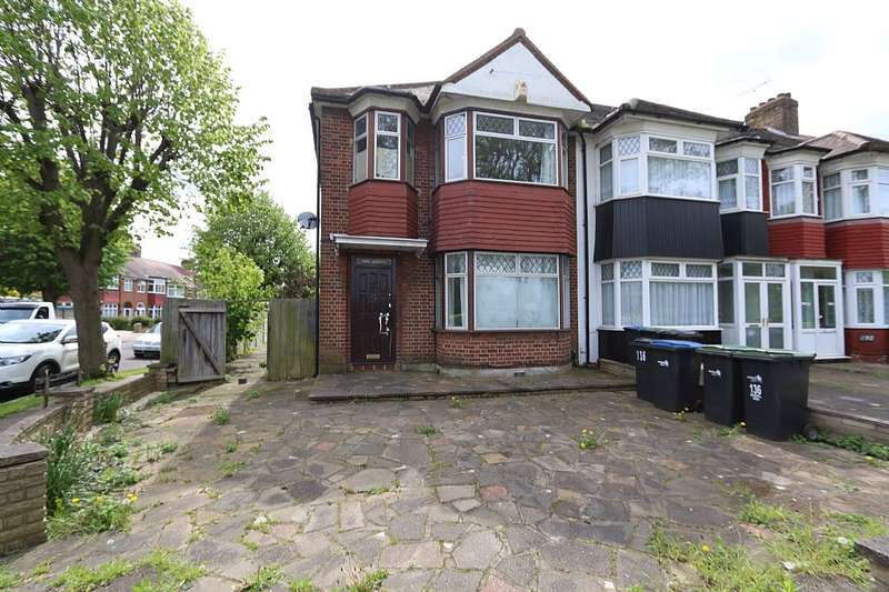 3 Bedrooms Semi Detached House for sale in Barrowell Green, London, London, N21 3AX
