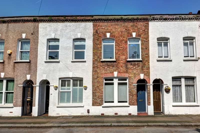 2 Bedrooms Terraced House for sale in Primrose Road, London, E10