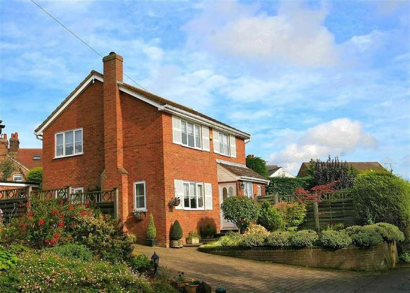 3 Bedrooms Detached House for sale in Cowards Lane, Codicote, SG4 8UN