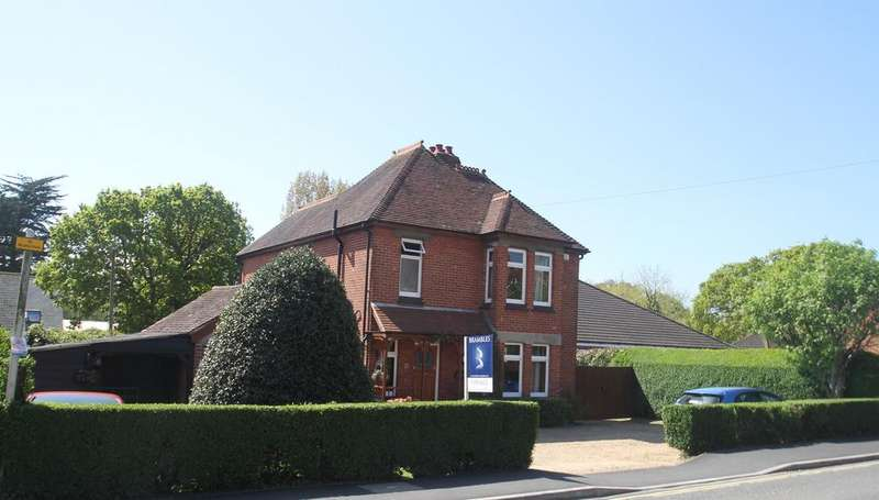 3 Bedrooms Detached House for sale in Warsash Road, Southampton SO31