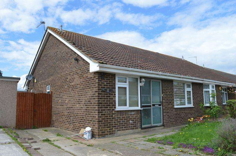 2 Bedrooms Bungalow for rent in Brookside, Canvey Island