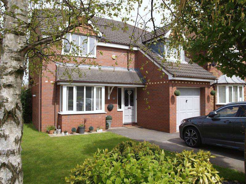 4 Bedrooms Detached House for sale in Wyche Close, Northwich, CW9 7TZ